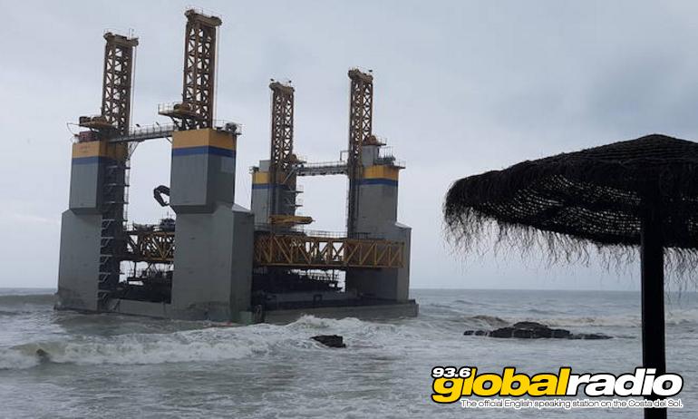 Ocean Platform Runs Aground At Benalmadena