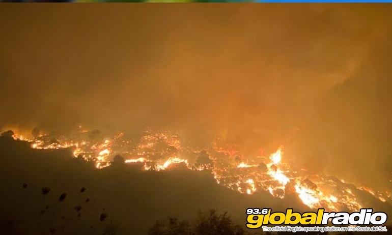 400 Firefighters Battle To Bring Blaze Under Control